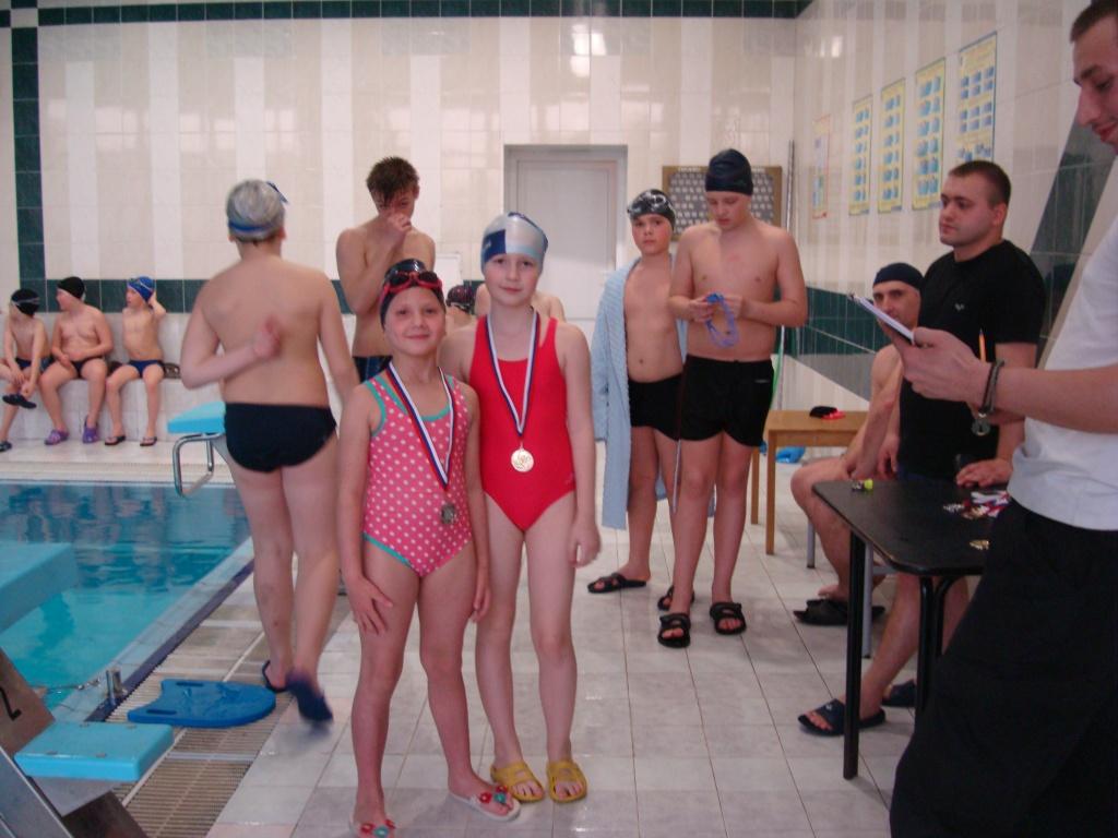 Трахнул соревнование по плаванию раздевалка мужчин видео кино